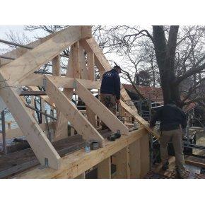 Nyopførsel af hus på søjler.